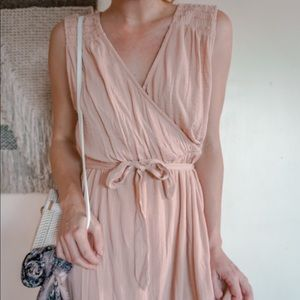 KNOX ROSE light pink dress